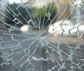 В Воронеже неизвестные обстреливают машины из пневматики