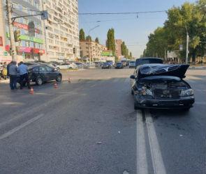 В Воронеже школьница пострадала в столкновении «Лады» и «Ниссана»