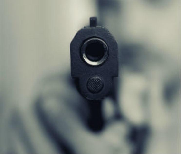 В одном из дворов Воронежа застрелили мужчину