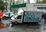 В Воронеже провалился асфальт под «Газелью»