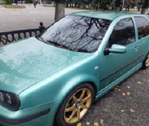 Воронежского автомобилиста арестовали на один день за тонировку машины