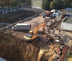 Воронежцы пожаловались на строительство подземного паркинга в центре города