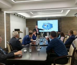 Из роддома - в долгожители: в Воронеже генетики обсудили способы продления жизни