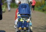 В Воронеже ВАЗ сбил на тротуаре коляску с годовалым мальчиком