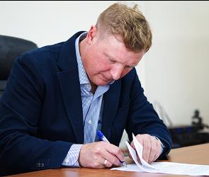 Новым главным тренером воронежского «Факела» стал Владимир Бесчастных