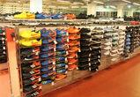 В воронежском торговом центре продавали поддельную брендовую одежду