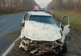 Под Воронежем столкнулись иномарка и ВАЗ: один человек погиб, три пострадали
