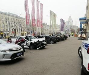 Воронежцев удивила выставка разбитых авто