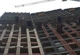 Двое мужчин погибли при падении кирпичей с 13-этажа строящегося дома в Воронеже