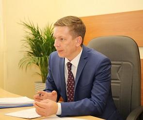 Воронежцам пообещали отремонтировать дорогу и установить фонари