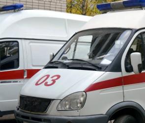В Воронеже «Лада» врезалась в две иномарки