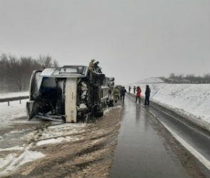 17 человек пострадали в ДТП с автобусом на воронежской трассе