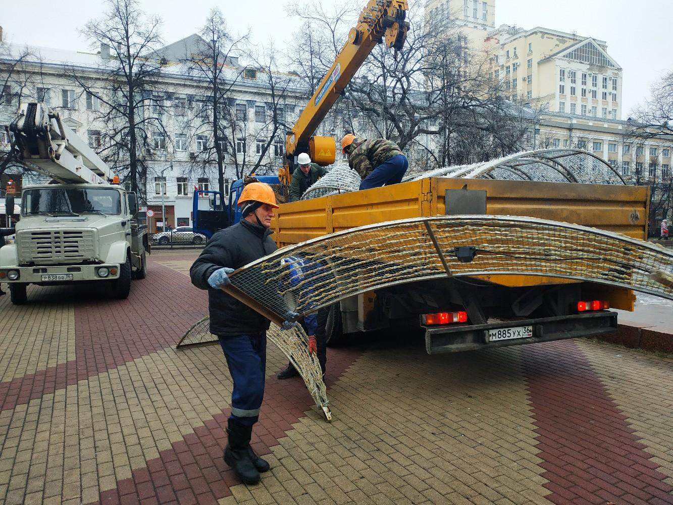 В Воронеже в Кольцовском сквере сегодня включат светодиодный фонтан