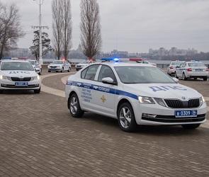 Сотрудникам ДПС вручили новые автомобили в Воронеже