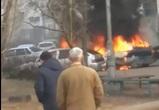 На видео попал взрыв иномарки в воронежском дворе