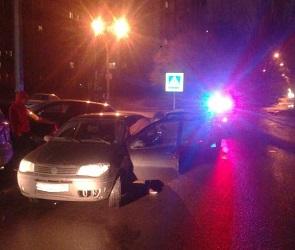 В Воронеже иномарка сбила коляску с 2-летним ребенком
