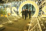В Воронеже зажгли новогоднюю иллюминацию на площади Ленина – фото