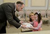 Воронежский губернатор и его заместители исполнили новогодние мечты детей