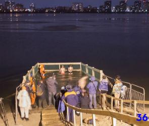18 тысяч жителей Воронежской области приняли участие в крещенских купаниях