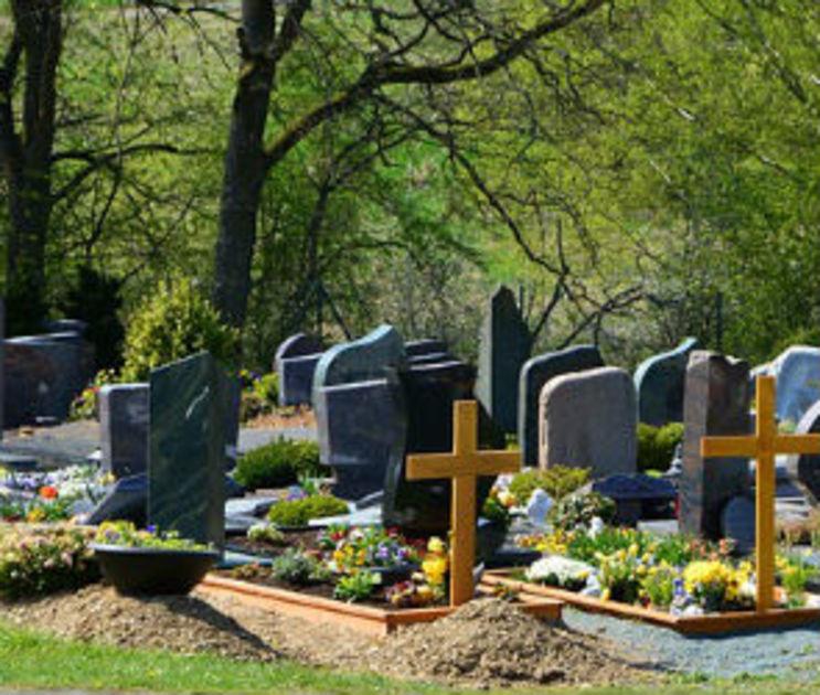 Воронежцев попросили не посещать кладбища на Пасху и Красную горку