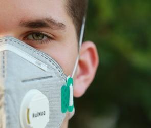 За время пандемии воронежские предприятия сшили более 2 млн масок