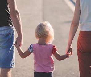 В Воронежской области начали выплачивать единовременные пособия семьям с детьми