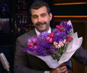 Флорист из Воронежа составляет букеты для шоу «Вечерний Ургант»