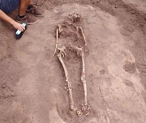 В воронежском микрорайоне обнаружили 6 древних могил