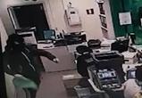 Ограбление воронежского банка попало на видео