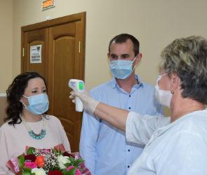 Воронежским молодоженам разрешили приглашать на свадьбы больше гостей