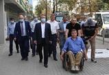 Мэр Воронежа и руководитель «Доступной среды» проверили качество новых тротуаров