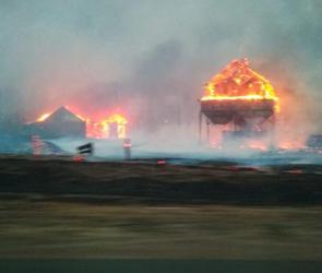 В селе под Воронежем огонь уничтожил 25 домов