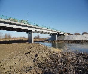 Рухнувший мост через реку Савала в Воронежской области досрочно восстановили