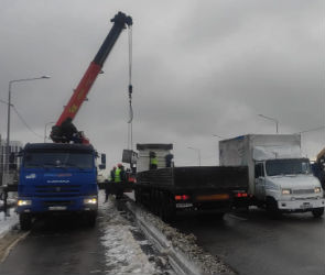 В Воронеже в течение суток откроют проезд по всем полосам виадука на 9 Января