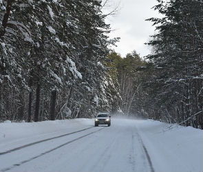 Воронежских автомобилистов предупредили о тумане и гололеде на дорогах