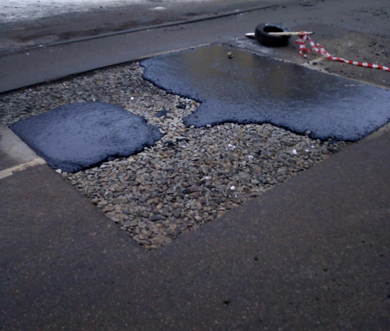 В мэрии объяснили, почему ямы на дорогах не могут ликвидировать с первого раза