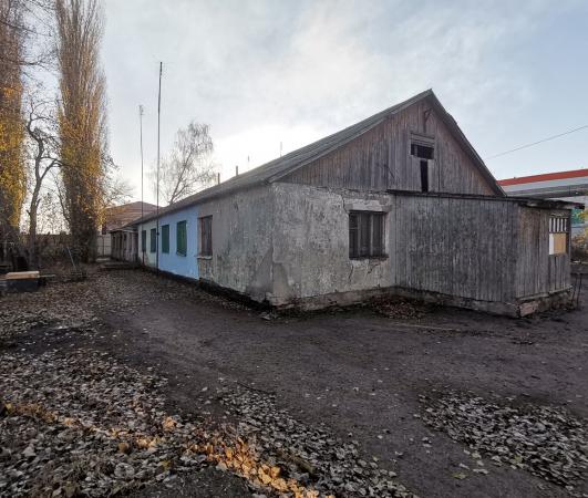 Прокуроры заинтересовались расселением заброшенного общежития в Верхней Хаве