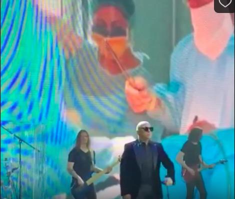 «Хор Турецкого» исполнил песню для воронежских врачей