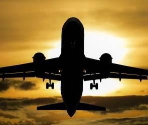 В Воронеже приземлился вылетевший из Дубая частный самолет с треснувшим стеклом