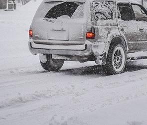 Из-за сильного снегопада в Воронеже полиция будет перекрывать дороги