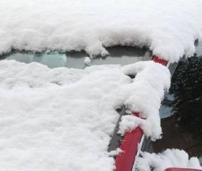 Снегопад парализовал движение в Воронеже: на дорогах 10-балльные пробки