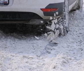У прокуратуры возникли вопросы к неубранному снегу на платных парковках Воронежа