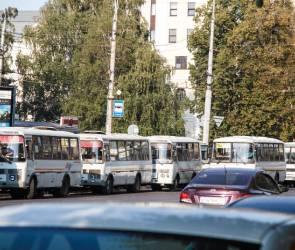 Воронежцы массово жалуются на нехватку автобусов на маршрутах