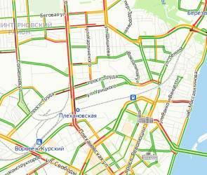 ДТП осложнило ситуацию с утренними пробками на Московском проспекте