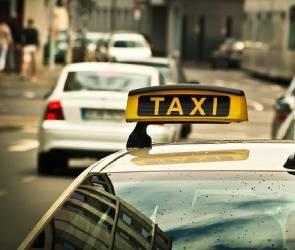 В Воронеже уснувший за рулем таксист из скандального видео умер от инсульта