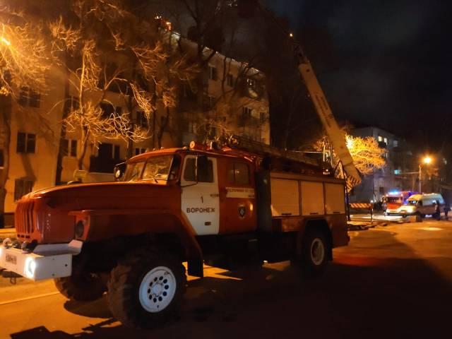 Последствия пожара в пятиэтажке на Еремеева ликвидируют за 7-10 дней