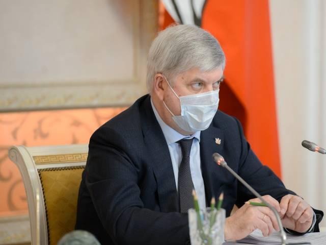 Воронежский губернатор пригрозил оставить жгущих траву аграриев без господдержки