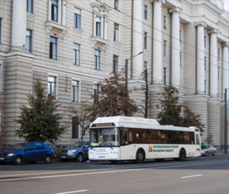 В воронежских автобусах начали устанавливать мобильные экраны
