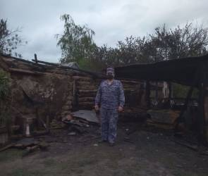 В Воронежской области росгвардеец спас мать и ее пятерых детей от пожара