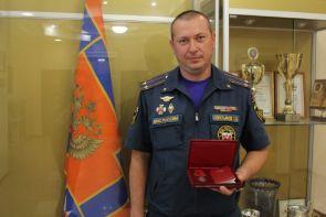 Президент страны наградил двух пожарных-героев из Воронежа